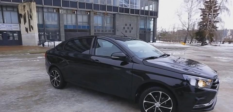 Июльский съезд членов партии Единая Россия привлек внимание автолюбителей.