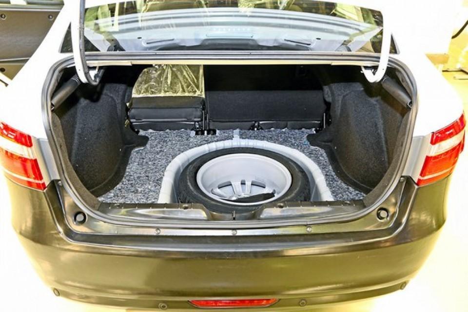 Сравниваем объем багажников Лада Веста: технические характеристики моделей 2015-2016 года