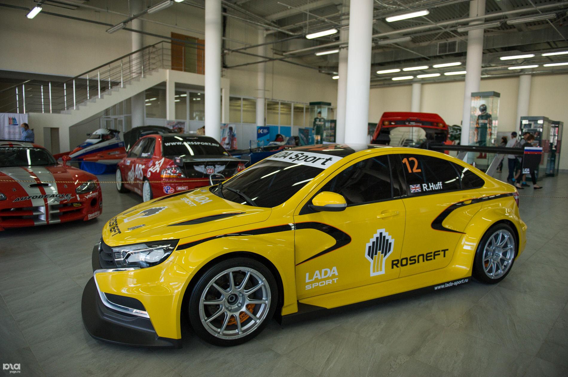Концепт LADA Vesta WTCC в Сочи