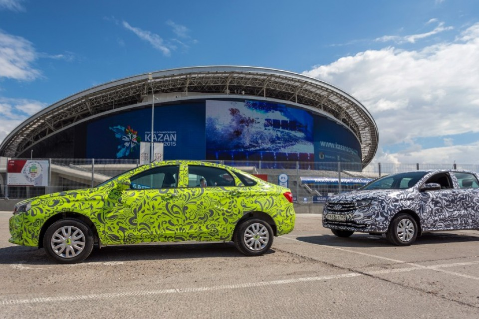 Врио президента Татарстана опробовал новые машины АвтоВАЗ