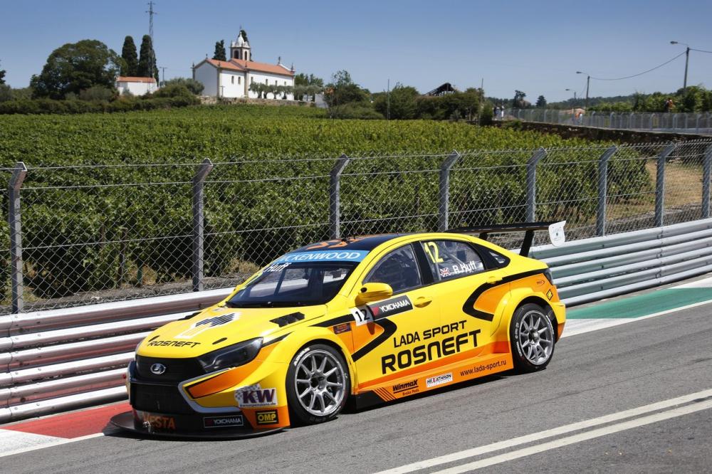 LADA Sport Rosneft в португалии