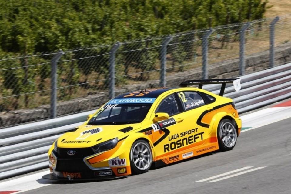 Португалия встретила LADA Sport Rosneft не очень дружелюбно