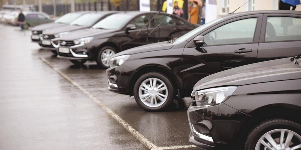 5 автомобилей Лада Веста подарили мэрии Тольятти