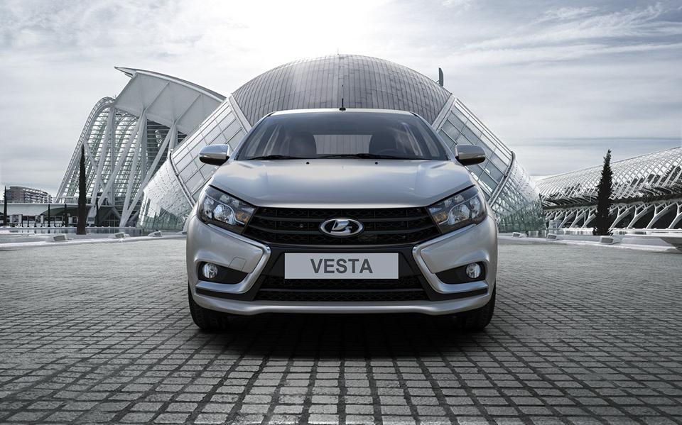 LADA Vesta приближается к финалу в борьбе за «Топ-5 Авто»