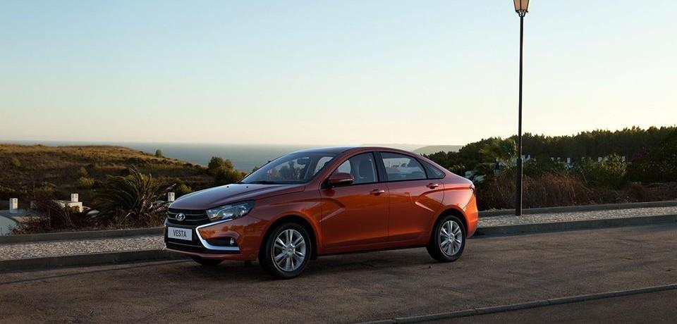 LADA Vesta поднимается на седьмое место в десятке самых продаваемых автомобилей России