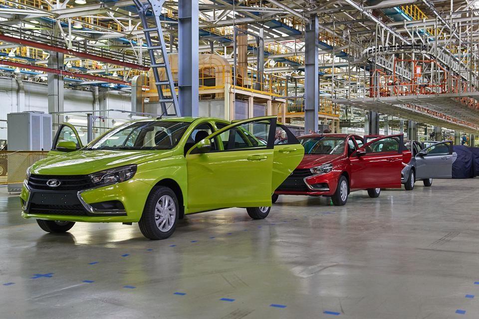 АвтоВАЗ увеличивает выпуск новых седанов LADA Vesta